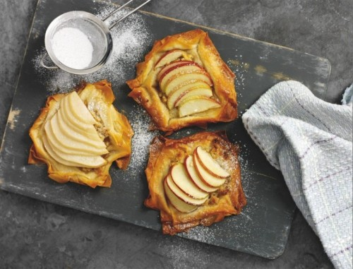 easy-apple-and-pear-tarts-700x533