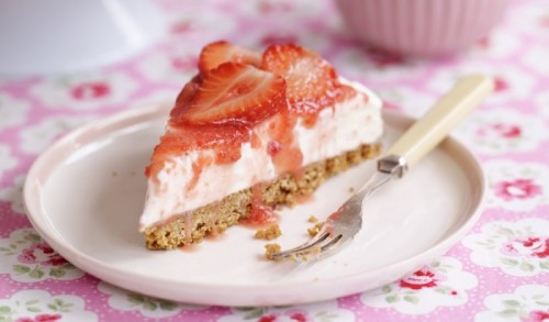 Sweet-Eve-Simple-Strawberry-Cheesecake-700x410