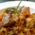 Delicioso guiso de arroz con pollo